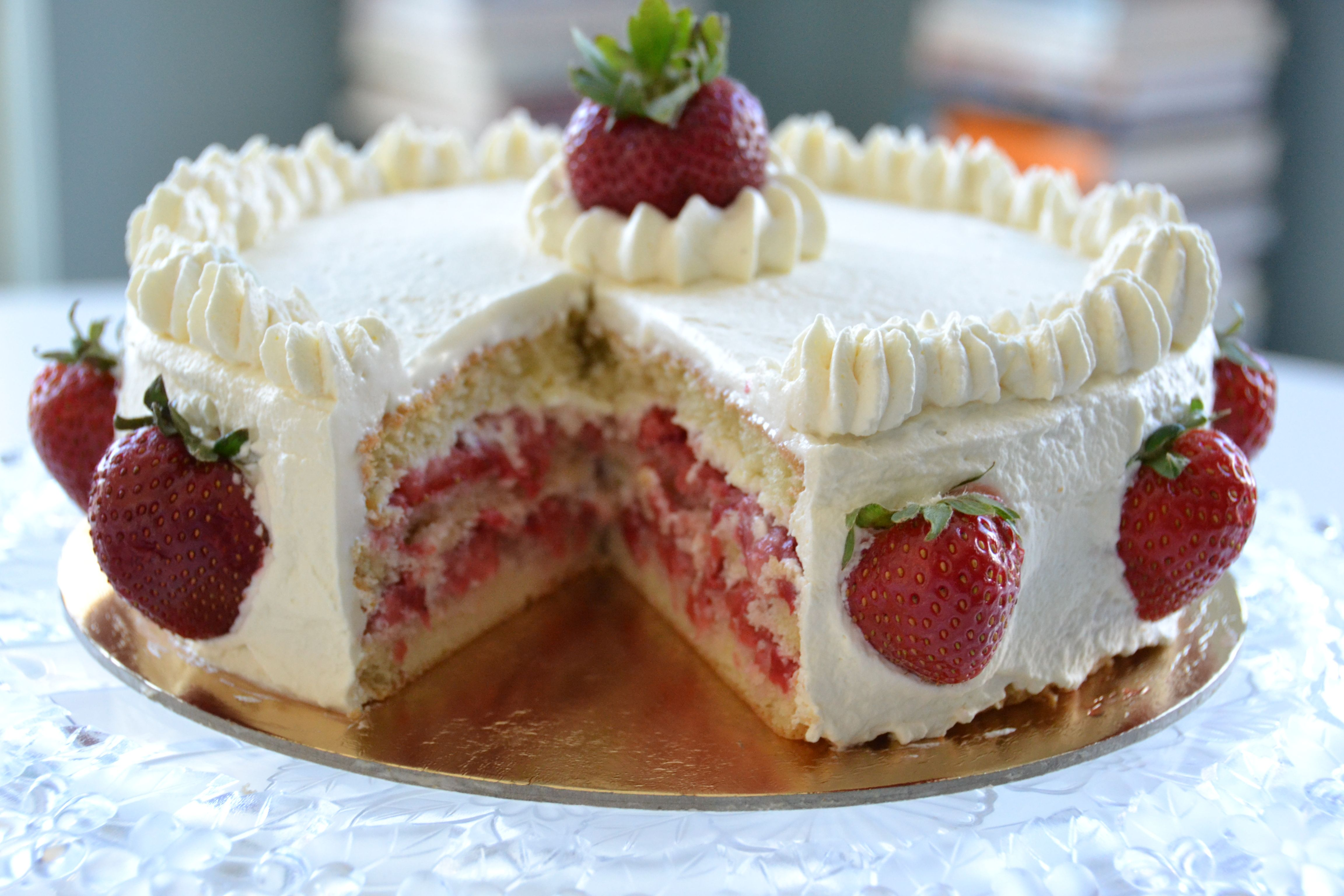 French Strawberry Cake : Darn, That's Good Debbi
